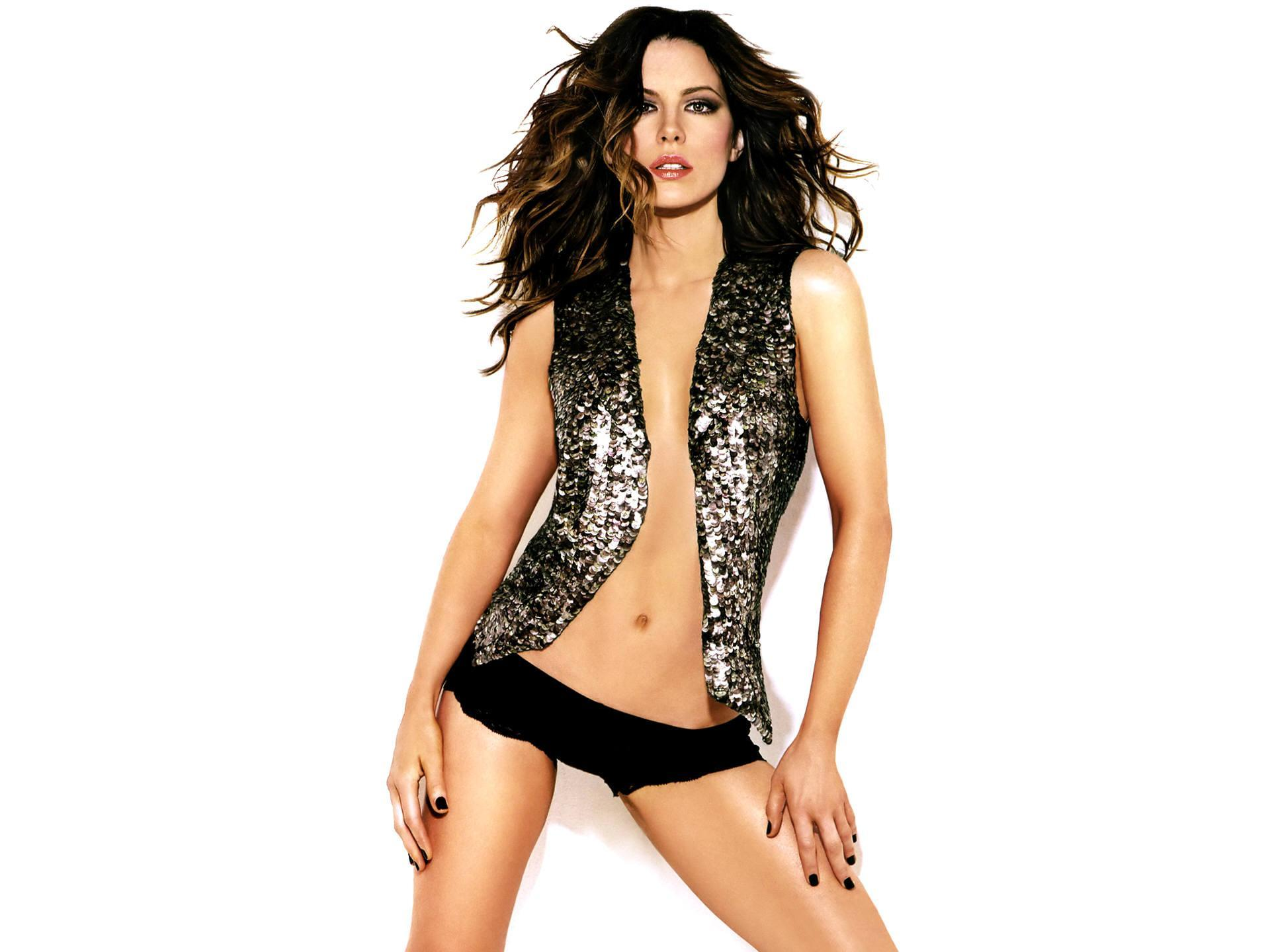 Kate-Beckinsale-Sexy